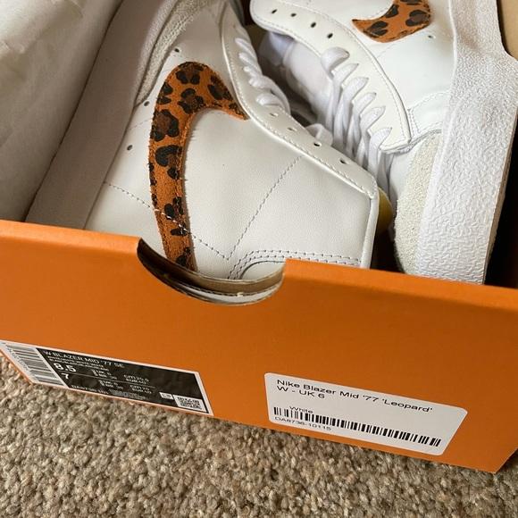 Nike Leopard Blazer sz 7y/8.5 women